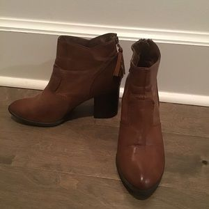 Chinese Laundry Brown Booties With Tassel Size 6